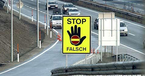 Autolenker stoppt Geisterfahrer auf der Tauernautobahn (Bild: CHRISTOF BIRBAUMER)