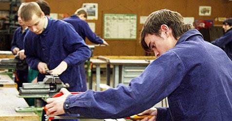 Keine fixe Lehrstelle für 1.700 Jugendliche (Bild: Martin JÖCHL)