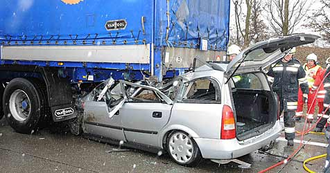 Zwei Unfälle fordern drei Schwerverletzte (Bild: APA/PAUL PLUTSCH)