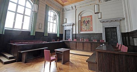 Verdächtiges Trio muss am 15. Juli vor Gericht (Bild: APA/GEORG HOCHMUTH)