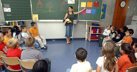 Britische Lehrer erkennen Schlingel am Vornamen (Bild: dpa/Bernd Weissbrod)