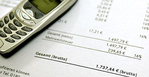 Betrüger-Pärchen prellte Firmen um 32.000 Euro (Bild: dpa/A3724 Felix Heyder)