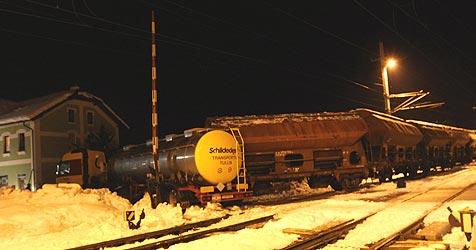 Lkw und Güterzug stoßen in Ebensee zusammen (Bild: Marion Hörmandinger)