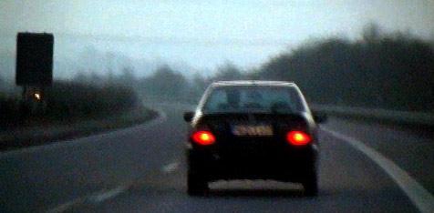 Dieb verursacht bei Flucht Unfall mit gestohlenem Pkw (Bild: dpa/ANC-NEWS/Db A9999 Anc-News)