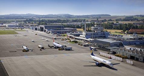 """""""Linz-M�nchen"""" eingestellt - Flieger bleiben am Boden (Bild: Flughafen Linz)"""