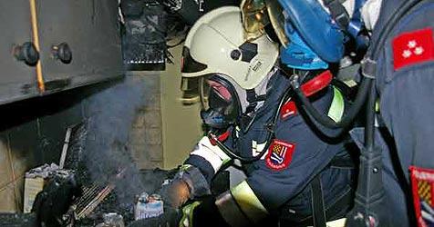 Feuerwehr rettet drei Menschen aus den Flammen (Bild: Feuerwehr Schärding)
