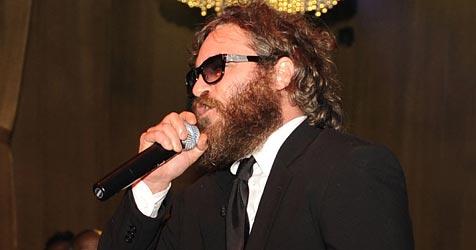 Joaquin Phoenix geht bei Auftritt auf Zuhörer los