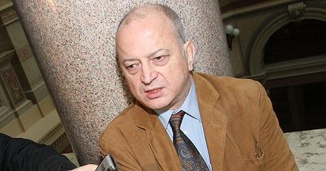 Strafe angehoben: Lebenslange Haft für Helmut O. (Bild: APA/HERBERT PFARRHOFER)