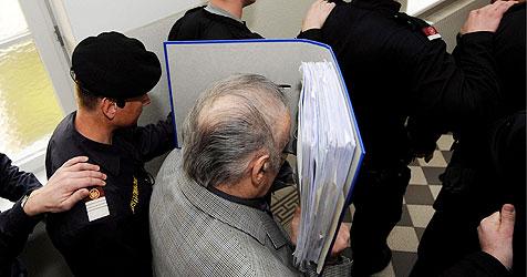 Josef F. nach Prozess selbstmordgefährdet (Bild: APA/Robert Jaeger/Apa-Pool)