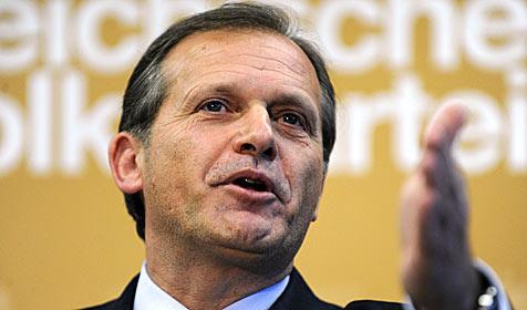 Ernst Strasser ÖVP-Spitzenkandidat für EU-Wahl (Bild: APA/Hans Klaus Techt)