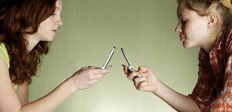 Zu viele SMS gefährden die Gesundheit (Bild: © [2009] JupiterImages Corporation)
