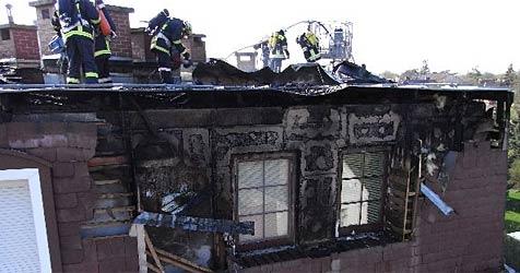 Mieter aus brennenden Wohnungen befreit (Bild: FF Bad Deutsch Altenburg)