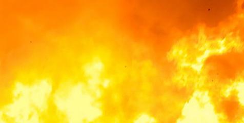 Großbrand in Waldviertler Firma behinderte Verkehr (Bild: Feuer)