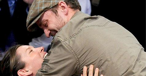 Timberlake und Biel knutschen ganz verliebt (Bild: EPA)