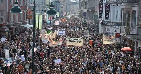 20.000 Schüler für freie Tage auf der Straße (Bild: Horst Einöder)