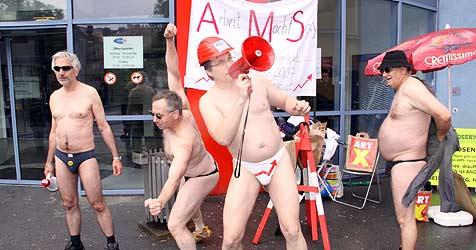 Oberösterreicher ruft in Graz zum Männerstrip auf (Bild: Christian Jauschowetz)