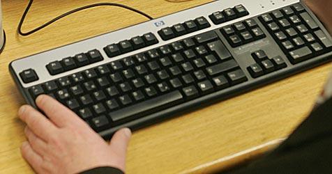Betrüger bestellt im Netz: Name falsch, Rechnung offen (Bild: Andi Schiel)
