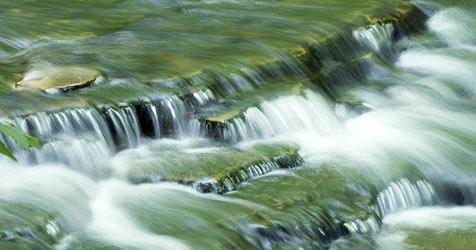 Neues Öko-Paket gibt die Flüsse der Natur zurück (Bild: © [2009] JupiterImages Corporation)
