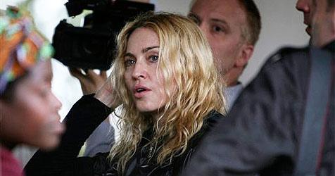 Urteil zu Madonnas Adoptionswunsch vertagt