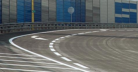 Eugendorf - Pläne gegen die künftige Verkehrslawine (Bild: APA/ERNST WEISS)