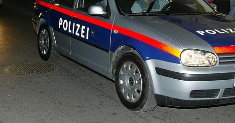 Pensionist streift Polizeiauto  und begeht Fahrerflucht (Bild: Klaus Kreuzer)