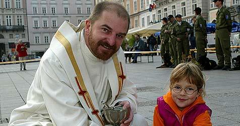 Voest-Pfarrer kündigt wegen Wirtschaftskrise (Bild: Chris Koller)