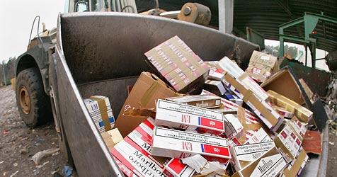 640.000 Zigaretten und zwei Autos beschlagnahmt (Bild: dpa/dpa-Zentralbild/Z1022 Patrick Pleul)