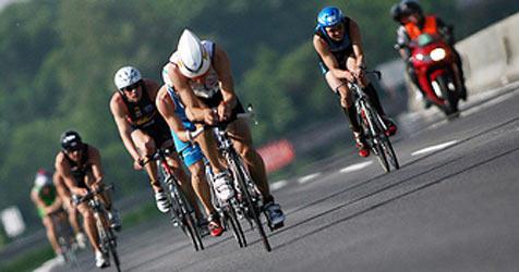 Weltmeister McCormack kam als Erster ins Ziel (Bild: IMSP2008_BestOf_c) Bollwein)