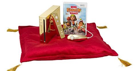 Eine goldene Wii-Konsole für die Queen (Bild: THQ)