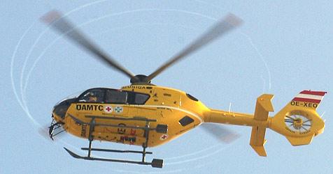Frontalzusammenstoß fordert drei Schwerverletzte (Bild: APA/GEORG HOCHMUTH)