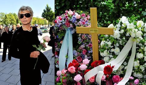 Barbara Rudnik in München beigesetzt (Bild: dpa/Ursula Düren)