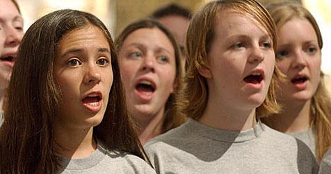 Kinder singen in zwölf Stunden 200 Lieder