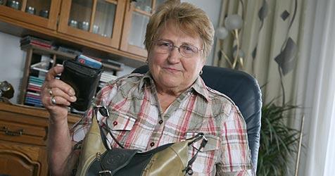 Oma schlägt Handtaschen-Dieb in die Flucht (Bild: Gerhard Bartel)