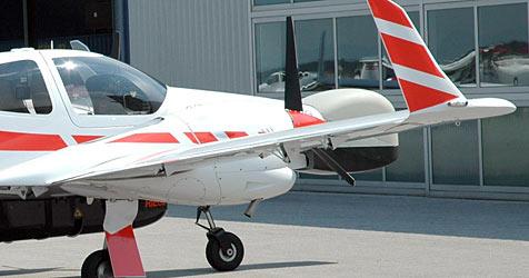 Wieder Flugschule in Konkurs weil  Millionen fehlen (Bild: APA/Ernst Weiss (Symbolbild))