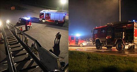 Zwei Männer bei Brand in Firma verletzt (Bild: FF Korneuburg)