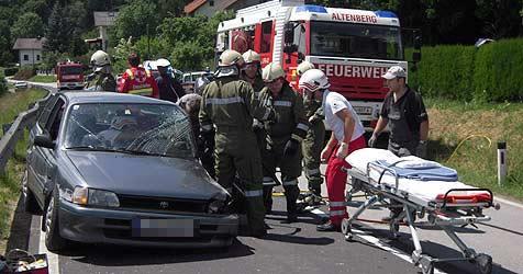 Nach Autounfall: Verdächtiger begeht Selbstmord (Bild: Feuerwehr Altenberg)