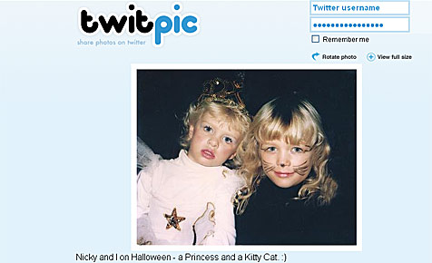 Paris Hilton twittert alte Halloween-Fotos (Bild: Twitter)