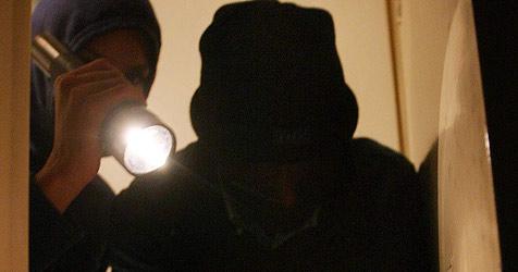 Duo geht während Haft auf mehrere Einbruchstouren (Bild: Peter Tomschi)
