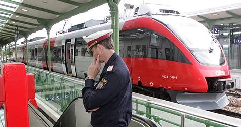 """Polizisten bald als """"Sheriffs"""" in Zügen und auf Bahnhöfen? (Bild: Andreas Schiel)"""