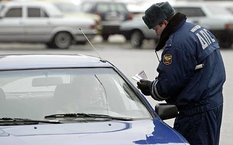 Verkehrsrowdy mit 158 Jahren Fahrverbot belegt
