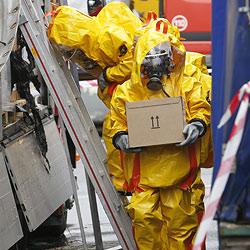 Lkw verliert hochgiftiges Lösungsmittel (Bild: Markus Tschepp)
