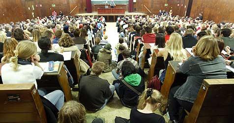 Auch in Salzburg keine Publizistik-Aufnahmeprüfung (Bild: APA/Roland Schlager)