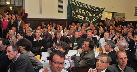 Minister Mitterlehner stellt sich der Kabel-Debatte (Bild: Wolfgang Weber)