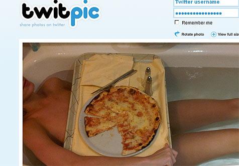 Katy Perry twittert heißes Badewannen-Foto
