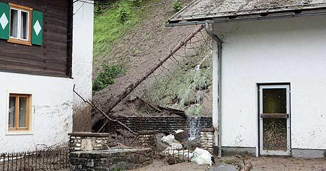 Murenabgang auf Wohnhaus in Eben (Bild: Krone/Andreas Kreuzhuber)