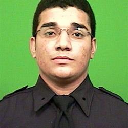Polizist verhaftet Minuten nach Angelobung Räuber (Bild: New York Police Dept.)