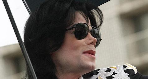 """Zeugin: """"An Jacksons Leiche fehlte die Nase"""""""