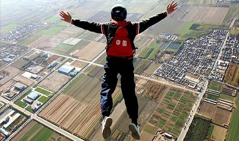 Fallschirmspringer aus Salzburg in O� abgest�rzt