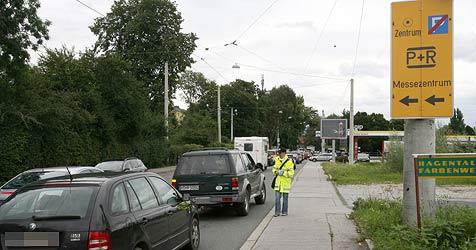 Zu viele Touristen wollten in die Stadt (Bild: Andreas Tröster)
