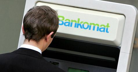 Diebe ergattern Bankomatkarte samt Code (Bild: APA/Helmut Fohringer)